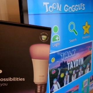 How Philips Hue Smart Bulbs Change Colors as Kids Watch Toon Goggles Content on TechSavvyMama.com