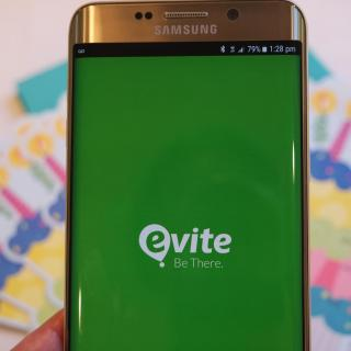 How to Use Evite to Text Party Invitations to Guests