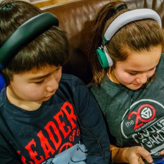 What You Need to Know About Volume Safe Headphones to Protect Your Child's Hearing