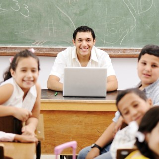 How Teachers Can Support English Learners Through Micro-Credentials