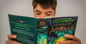 7 Ways to Help Your Middle Schooler Rediscover Reading for Pleasure
