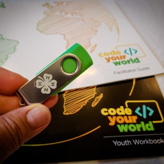 4-H Code Your World Makes it Easy for Non-Tech Savvy Parents to Teach Computer Science