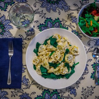 4 Tips for Teaching Kids to Cook Easy Family Meals