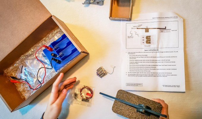 4 Tips for Keeping Teens Engaged in Science at Home
