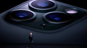 Apple Introduce the new iPhones live Streaming