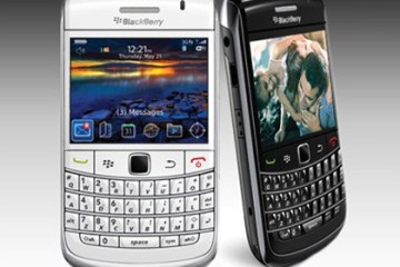 BlackBerry-Bold-9700-white-and-black