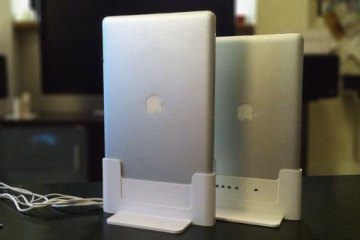 Henge Docks 15 and 17 inch models - prototypes made, Apple Mac Docking station