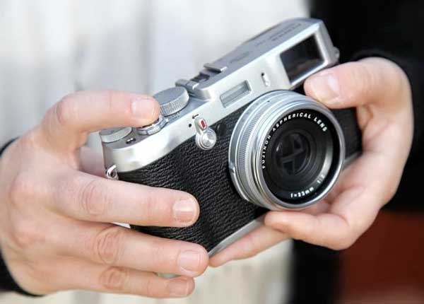 Fujifilm FinePix X100, in hand