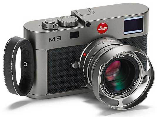 Leica M9 Titanium - angle, with finger loop strap