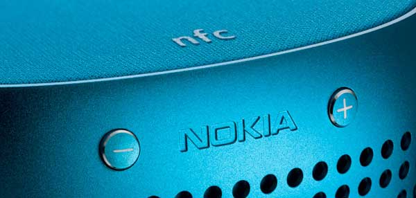 Nokia Play 360 speakers, closeup of the blue colour