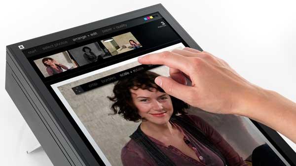 Artefact SWYP printer concept, screen close-up