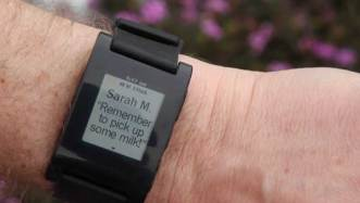 Pebble-epaper-watch-iPhone-Android-email