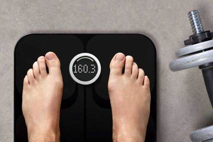 Fitbit-Aria-Scales-black-barbell
