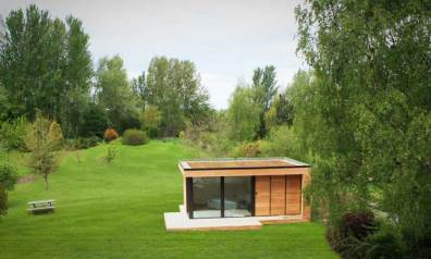 in.it studios garden office / studio