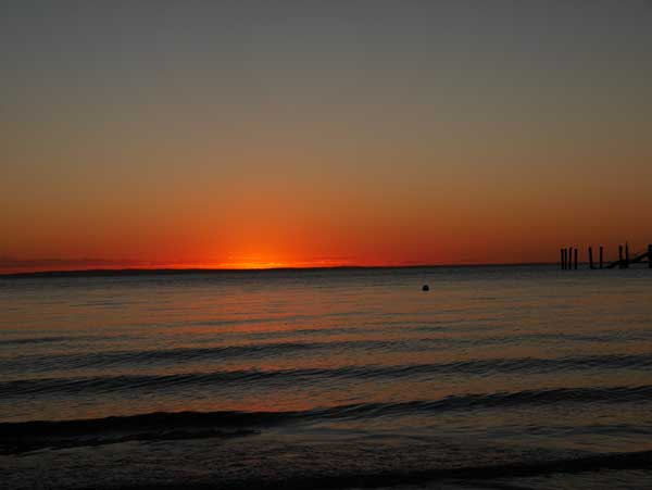 Fraser-Island-Kingfisher-Bay-red-sunset