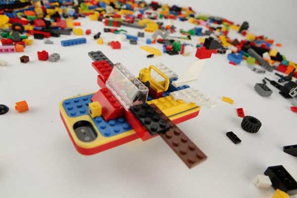 Lego Belkin iPhone case plane