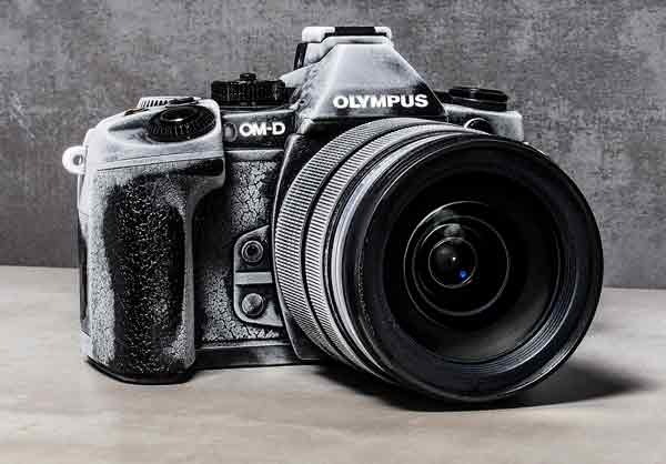 Olympus OM-D E-M1 black, front angle view