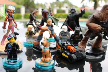Disney Infinity and Lego Dimensions figurines