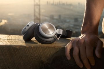 Bang & Olufsen Play H4 wireless headphones San Fran