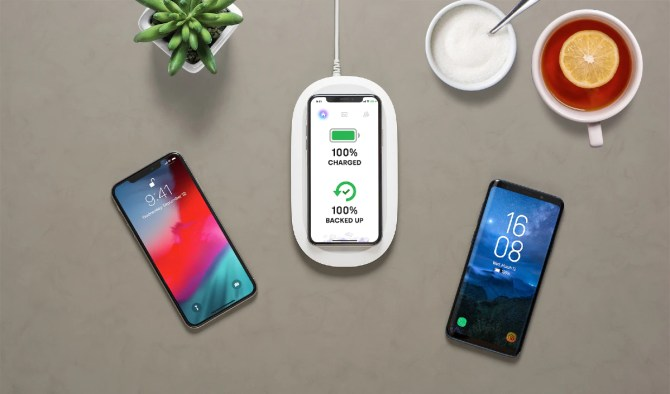 SanDisk Ixpand Wireless Charger With Data Backup