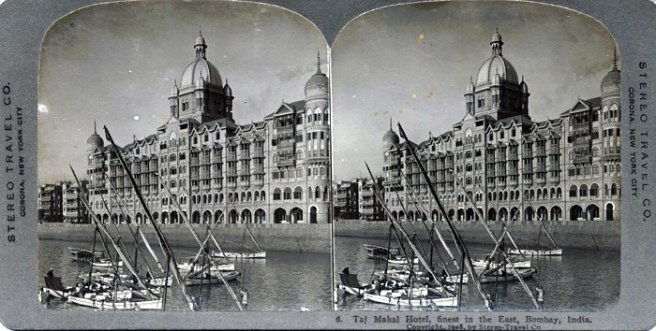 Vintage Pic ( img src: http://www.oldindianphotos.in/2009/01/taj-mahal-hotel-mumbai-in-1908.html )