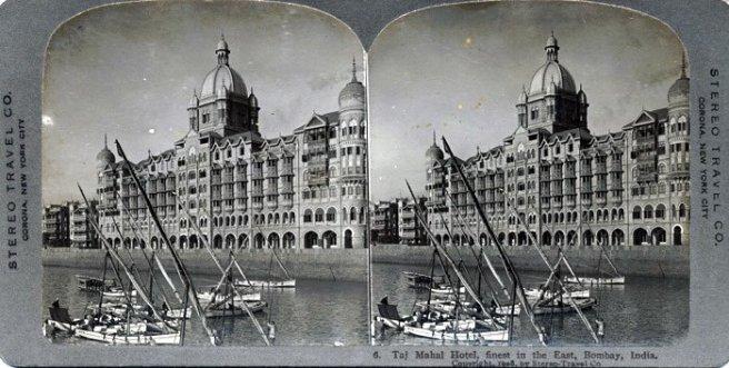 Vintage Pic ( img src: http://www.oldindianphotos.in/2009/01/taj-mahal-hotel-mumbai-in-1908.html )