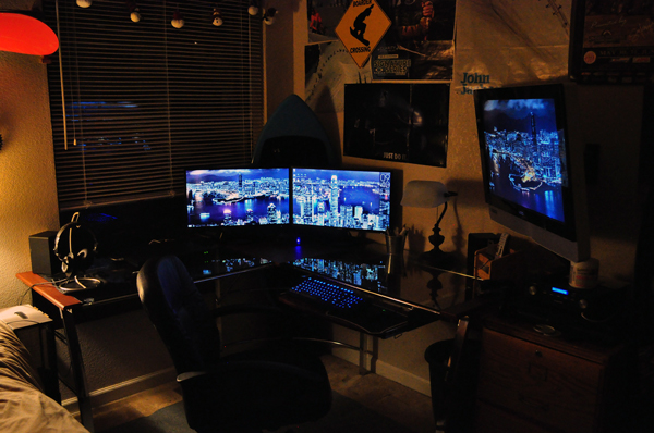 multi-monitor-gaming-setup-(11)