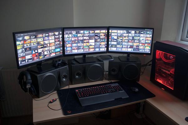 multi-monitor-gaming-setup-(2)