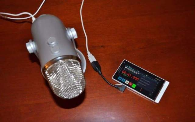 Recording Audio with external Microphone