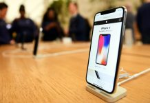 Apple made it easy for iPhone X buyers to check in-store availability online