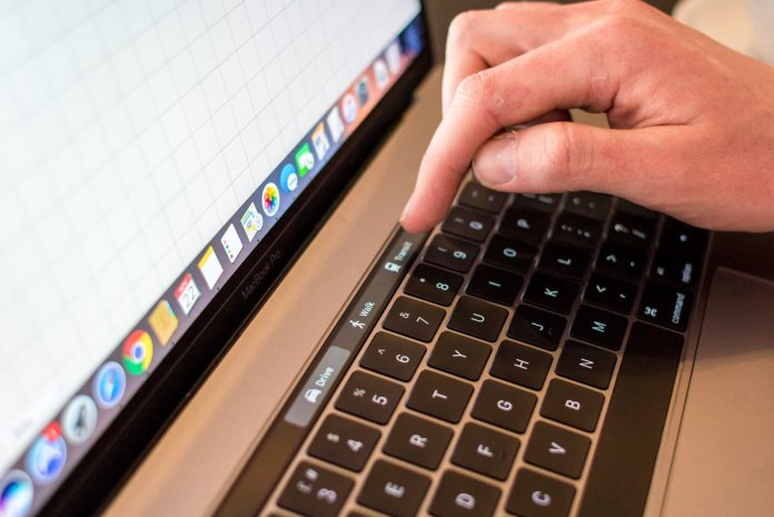 5 reasons not to buy MacBook Air: Touch Bar