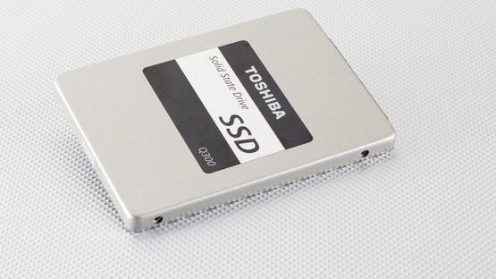Toshiba Q300 (2016)