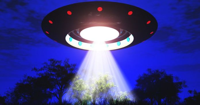 Guillermo del Toro says he saw a real UFO and it was 'horribly designed'