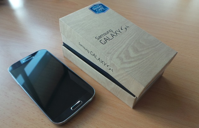 Galaxy S 4 Recycled Box