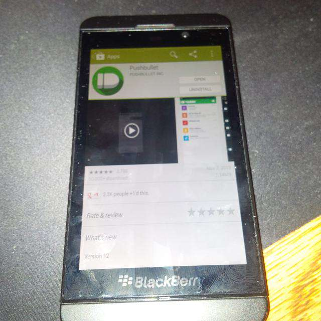 Images of Google Play Store running on Blackberry Z10