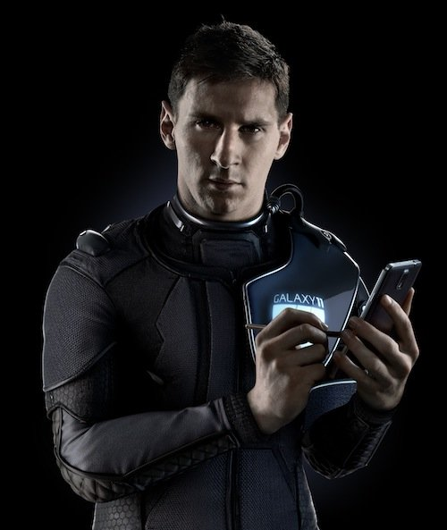 Messi - to fight 'aliens' with the help of his football skills and Galaxy devices like the Note 3