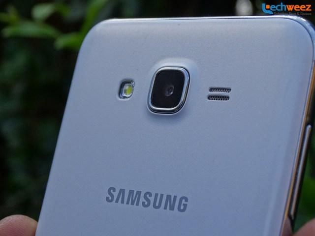 Samsung_Galaxy_J7_4