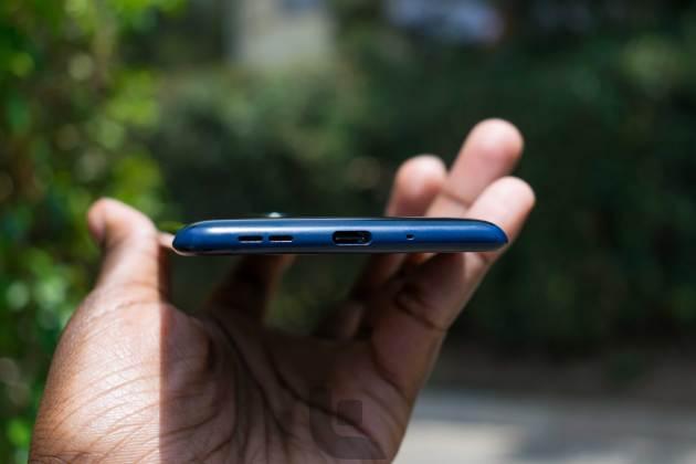 Nokia-8-Bottom