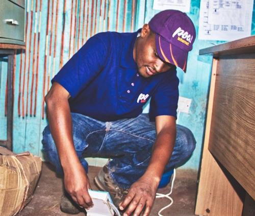 poa! intenet technician on ground assisting a customer-crop