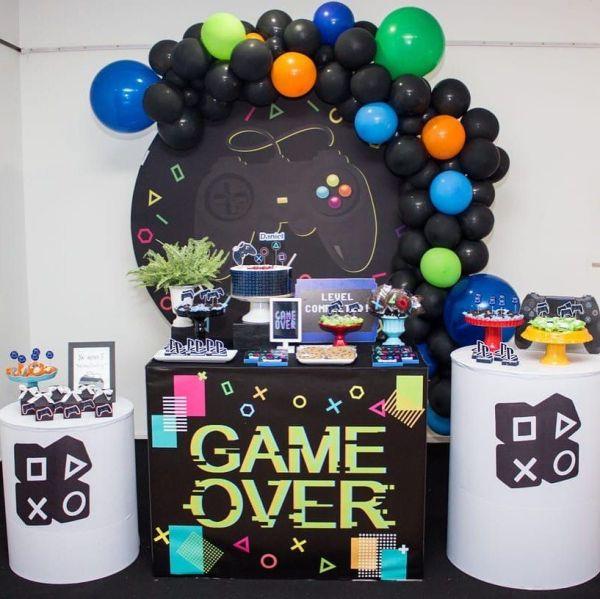 Tema de aniversario de jogo