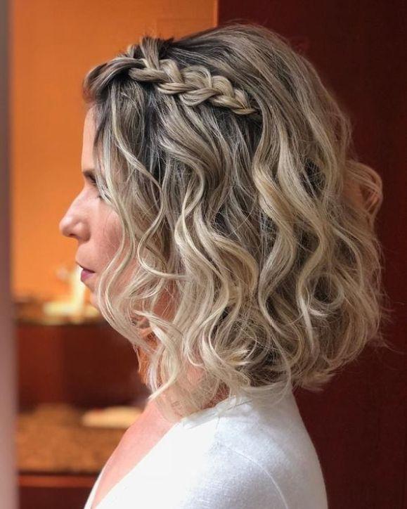 Modelo simples de penteado