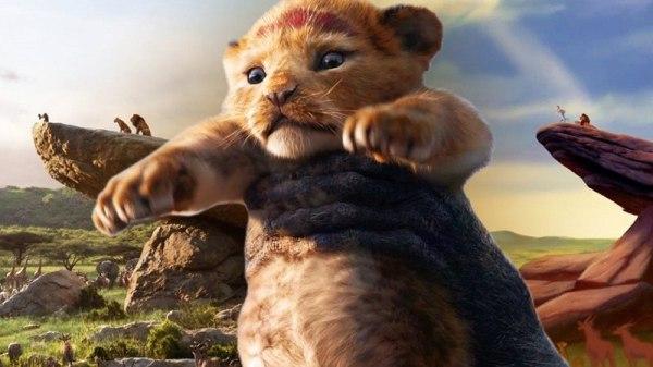 O leão mais famoso e fofo durante o live action de Rei Leão