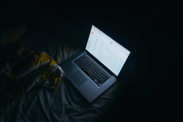technology both helps and hurst sleep   techwriteresearcher.com