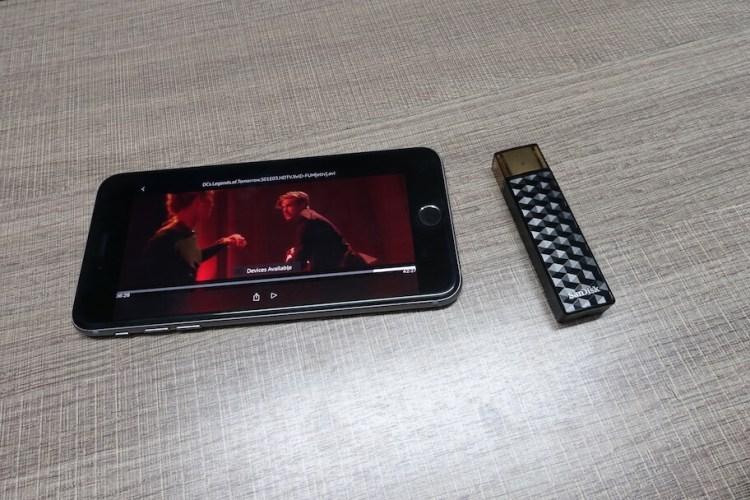 sandisk-wireless-connect-techzei-phone
