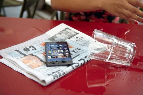 Segundo a Sony, seu smartphone Xperia é a prova d'água! Ou não?, Sony, Smartphones