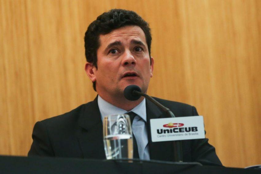 Brasília - O juiz federal Sérgio Moro participa da palestra Democracia, Corrupção e Justiça: diálogos para um país melhor, no Centro Universitário de Brasília (UniCEUB), campus Asa Norte