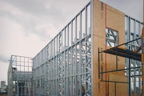 fabrica-de-steel-frame-fechamento-revestimento-acabamento-vao-parede-obra-framing-placa-osb-aco-perfil-engenheirado-construcao-seco-sistema-construtivo-light-steel-frame-tecnoframe-23