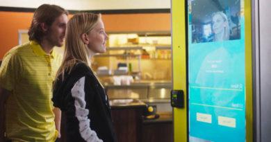 CaliBurger-usa-reconhecimento-facial-quando-você-pede-seu-hambúrguer