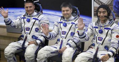 EUA, Rússia e tripulação japonesa partem para a estação espacial internacional