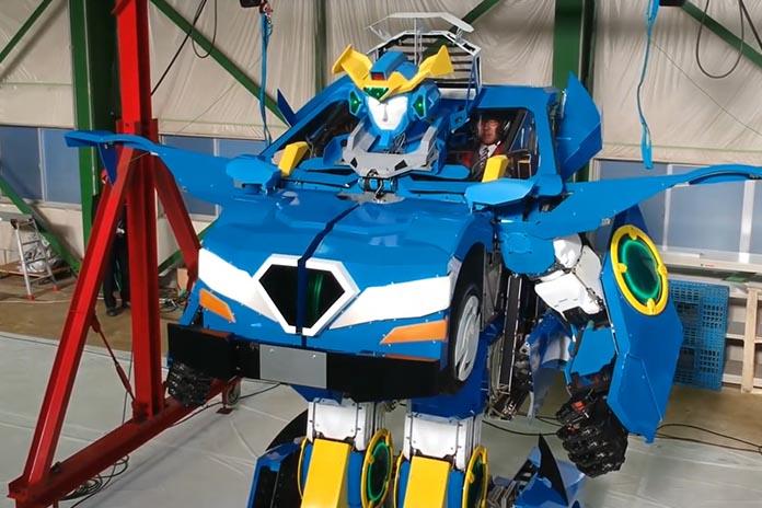 Japão revela robô humanóide que se transforma em carro